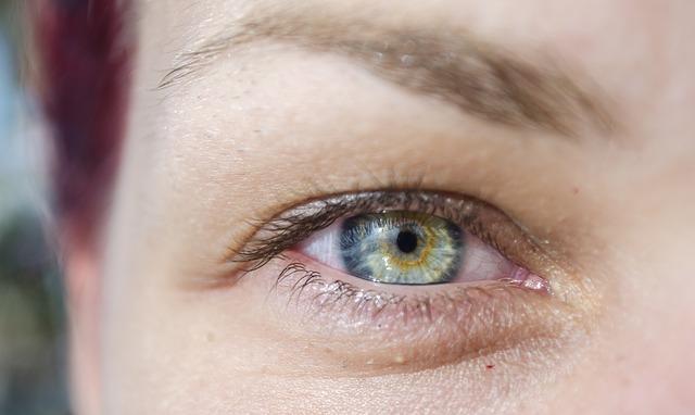 La elevación de las cejas rejuvenece tu mirada